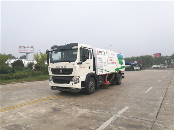 WTY5180TSLSNG6型重汽LNG单发无尘扫路车