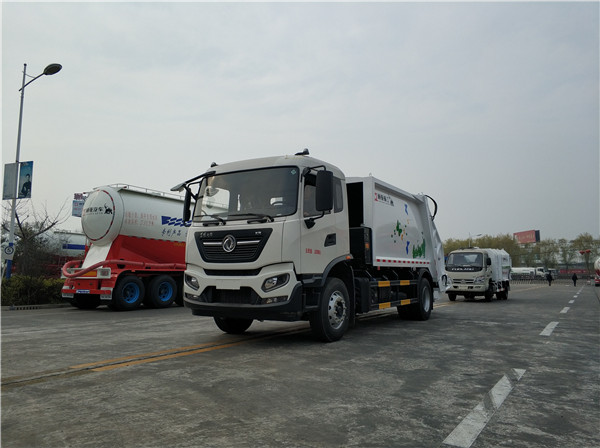 WTY5180ZYSE6型国六东风天锦压缩式垃圾车