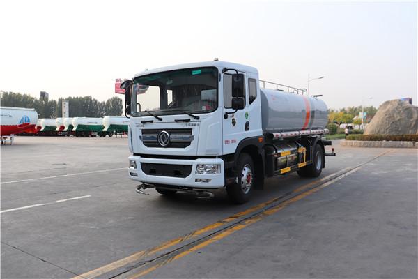 WTY5181GQXDNG6型东风多利卡LNG清洗车(洒水车)